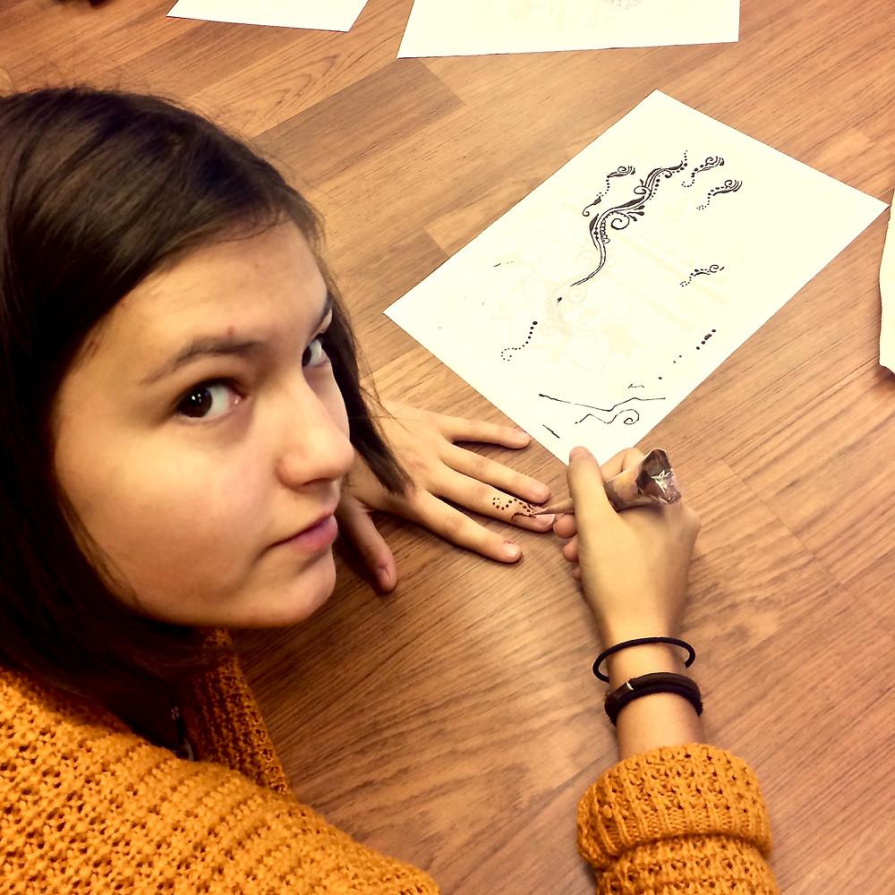 Мастер-класс Марии Султановой по мехенди в Модельной Школе eR-Models