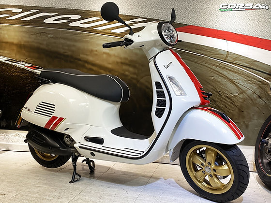 Vespa - GTS300 HPE Racing Sixties