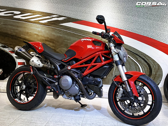 Ducati - Monster 796