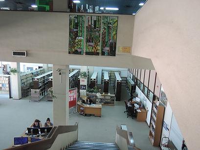 כניסה לספריה במכללת קיי.JPG