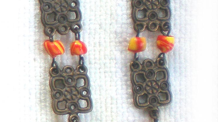 Earrings Yellow-Red beads