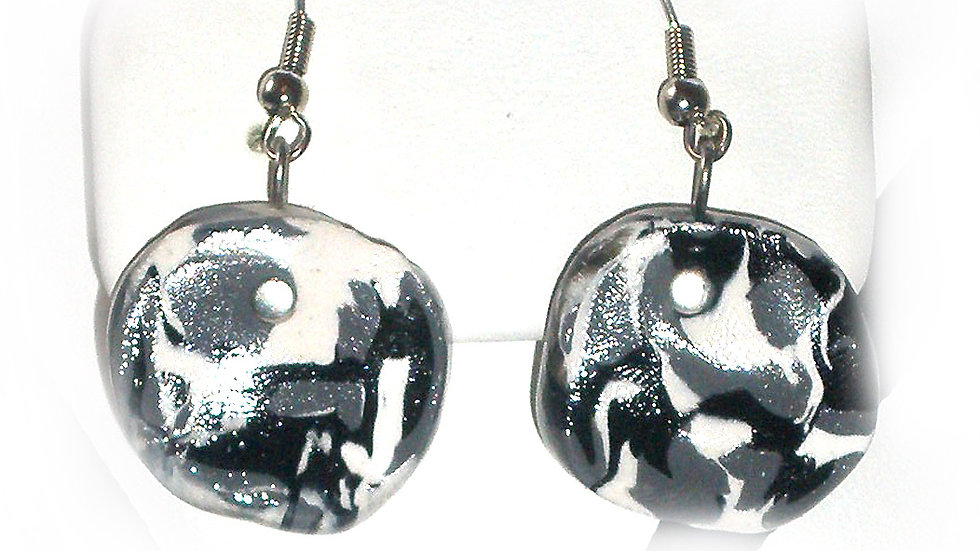 Earrings Black-white marble coins