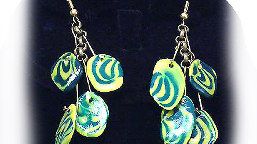 Earrings Yellow-green beads