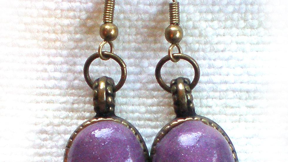 Earrings Purple on metal plate
