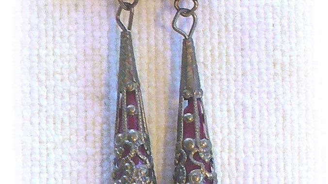Earrings Red-wine in metal cone