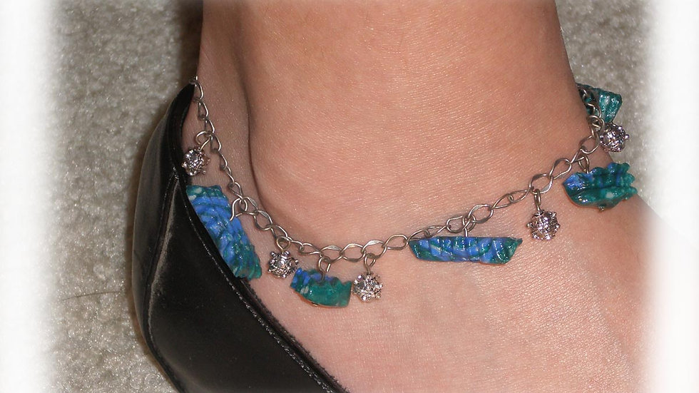 Green-blue brads