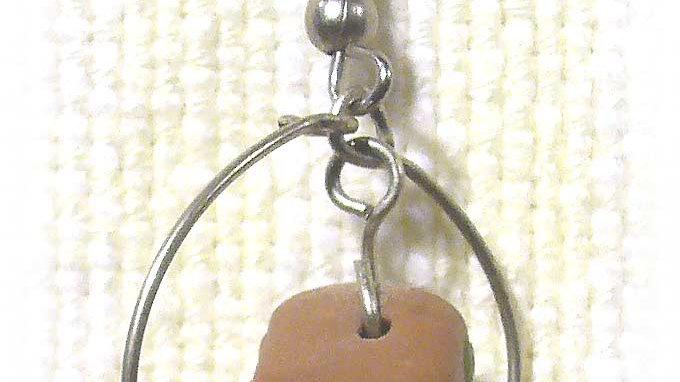 Earrings Brown dice on ring