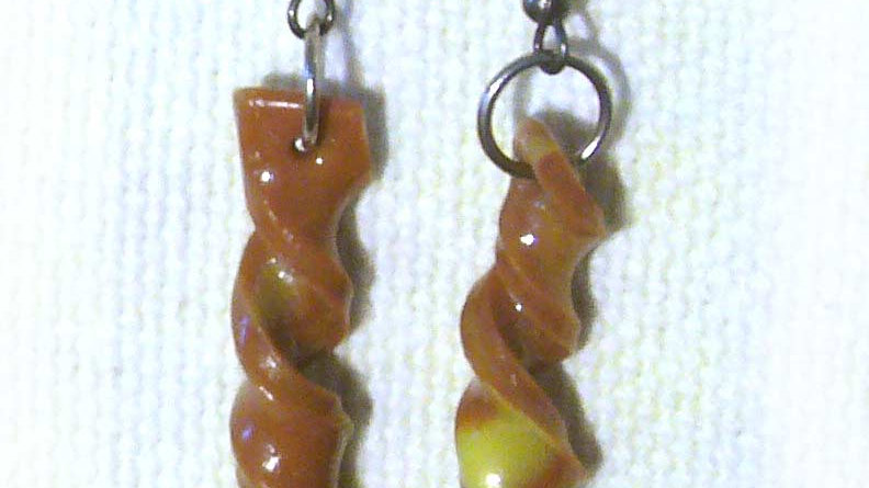 Earrings Yellow-brown twisted