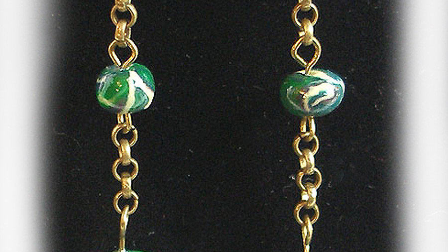 Earrings Dark-green swirl