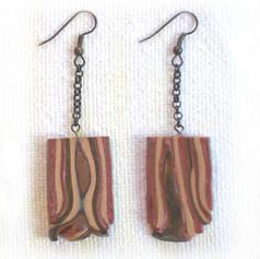 P4200222-brown-line-earring.jpg