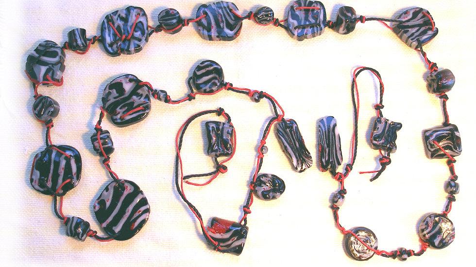 Black-white beads