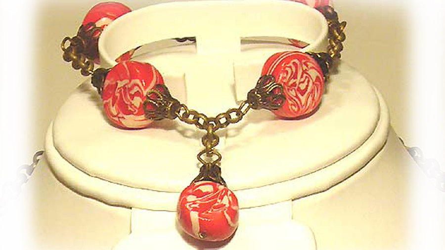 Red-white beads