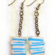 P4200228-blue-white-earring.jpg