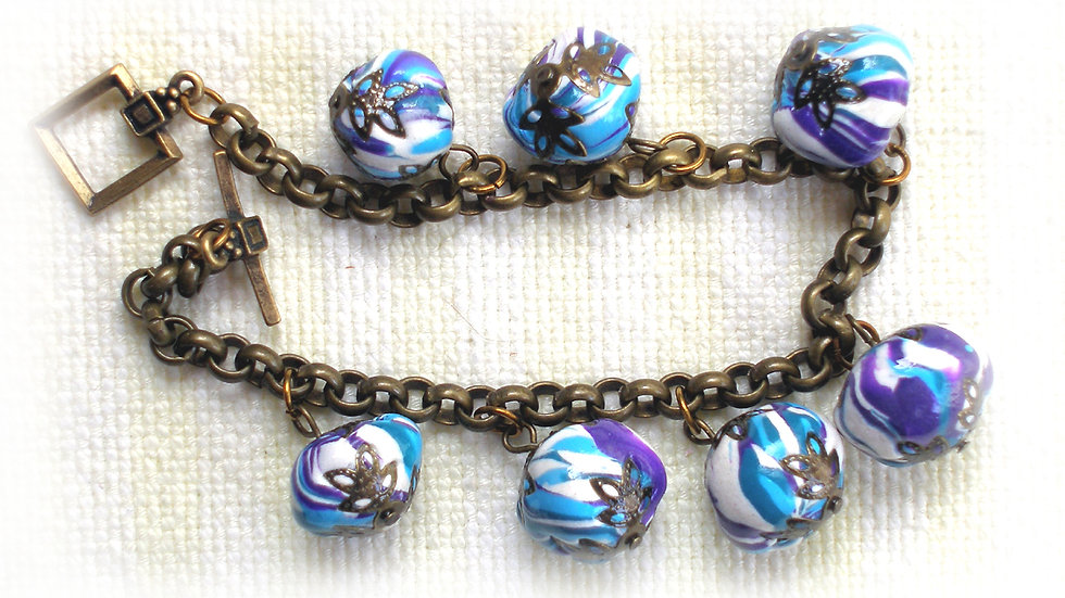 Blue-white marble beads