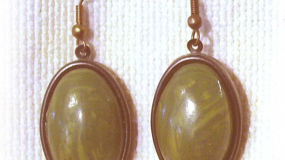 Earrings Green on plate