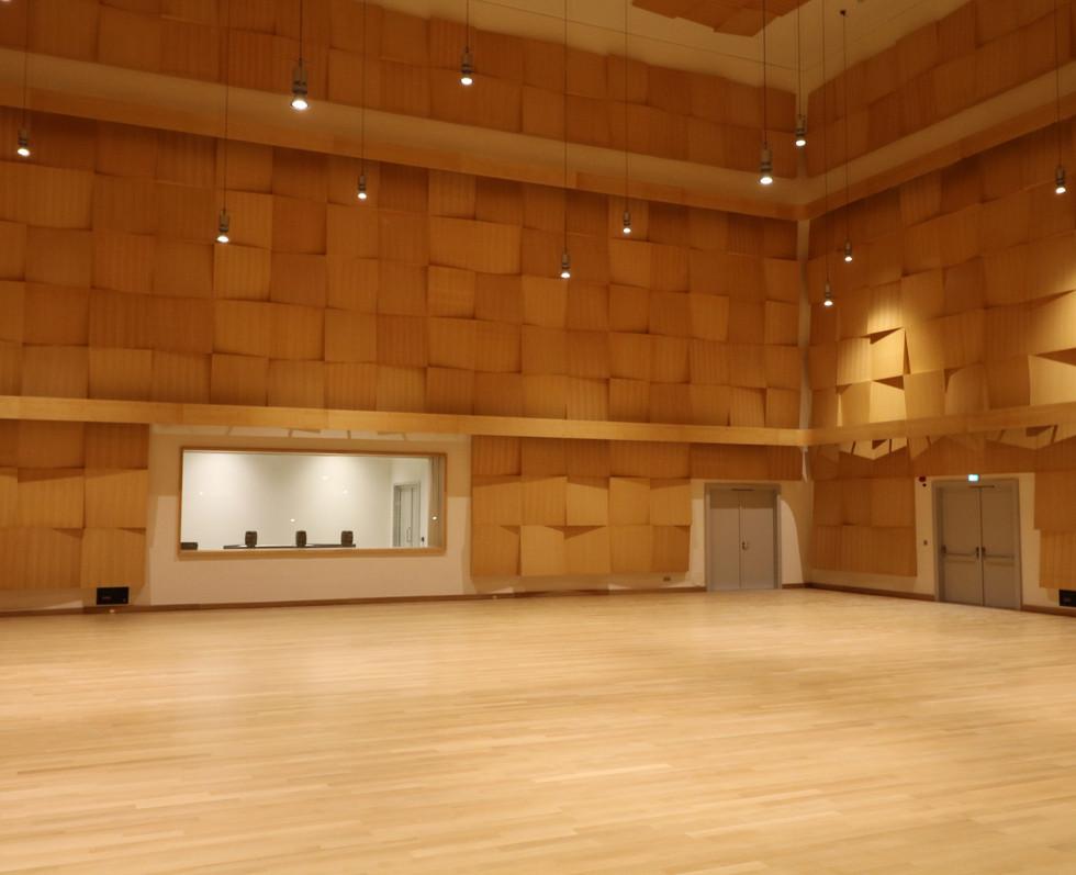 opera-house-stavros-niarcos-foundation-cultural-center-09