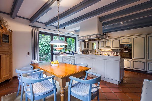 Main-Kitchen-Vegetarian-Cooking-Little-Paradise-Hoisdorf-compressor.jpg