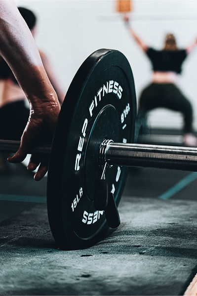 Cient for online personal training using barbell for power clean exercise