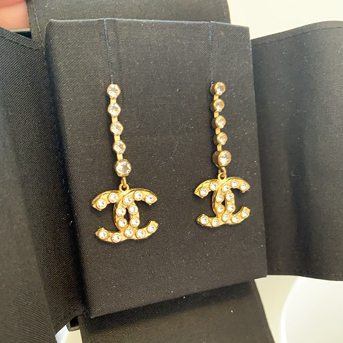 CHANEL New 2020 Runway Rare Crystal CC Dangle Earrings