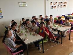 同學於Artec 員工飯堂用膳