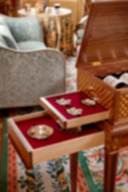 Chateau-Haut-Brion-consoles-2.jpg