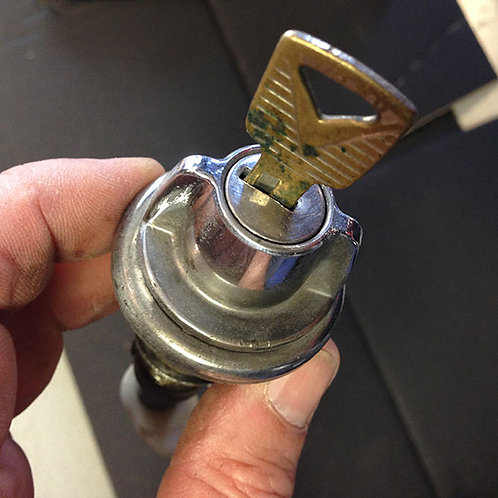 Boot lock with key