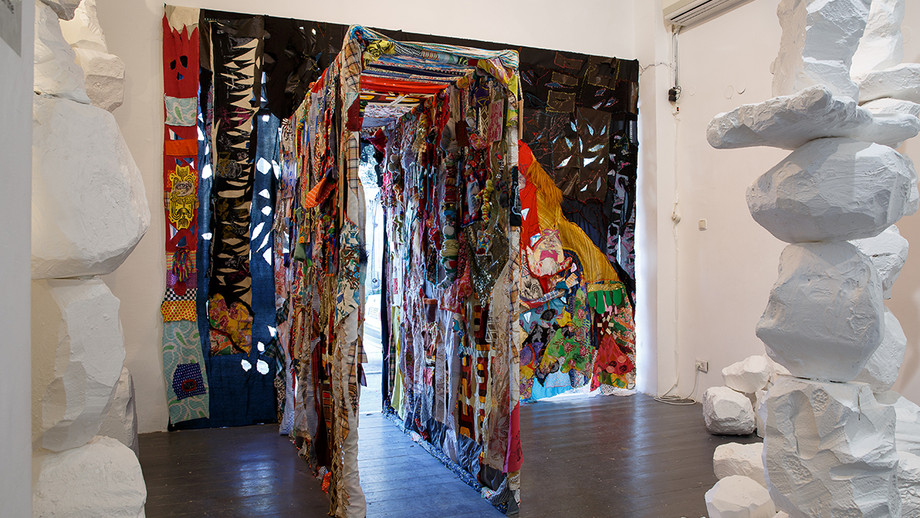 Passage instalation ,hoow to catch a witch exhibition 200/220/70  cm ,2019