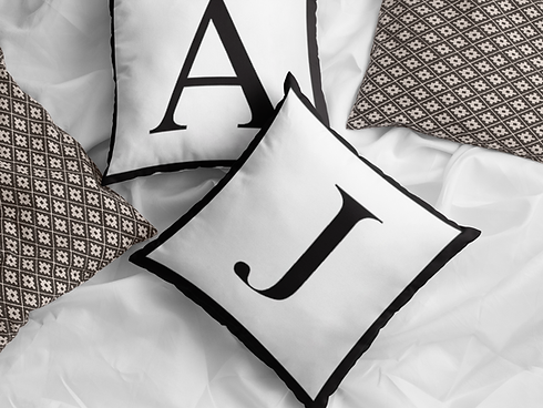 pair-of-square-pillows-mockup-lying-on-a