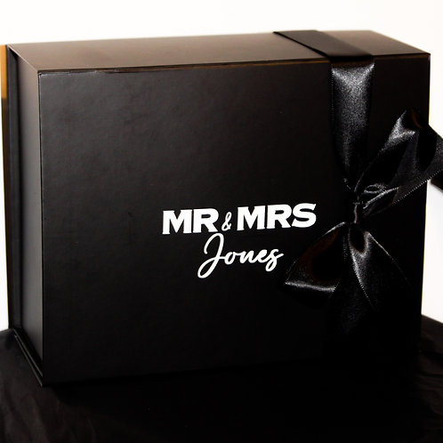 The Mr & Mrs Candle Gift Set