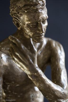 L'etreinte sculpture avignon benoit redard