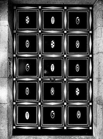 Berlin Doors by Diana Himmelreich