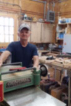 Atelier d'ébénisterie|propriétaire|machinerie