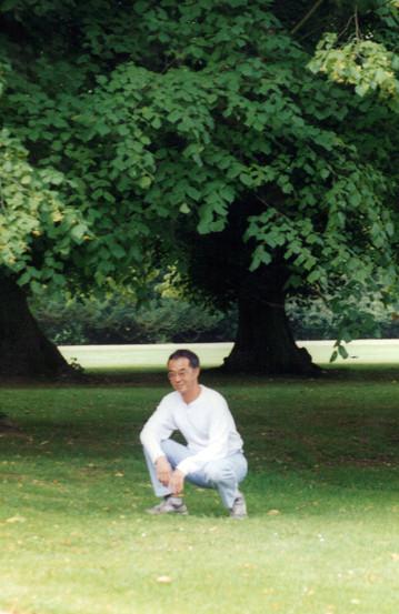 Jerry squatting07-17-2020 04;43;46PM_1.j