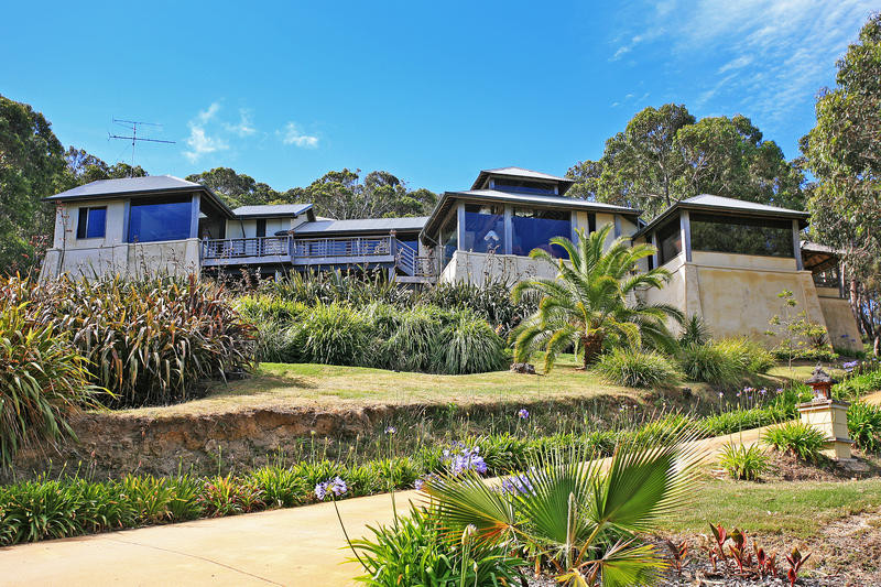 Kilolo Balinese inspired holiday house in Lorne