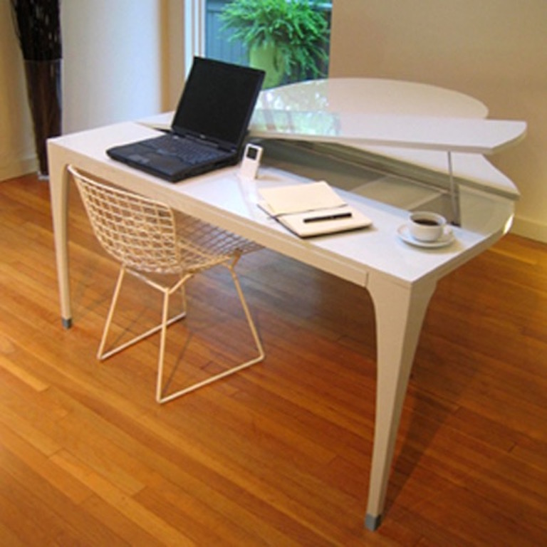 Unique-Piano-Shape-Dining-Table