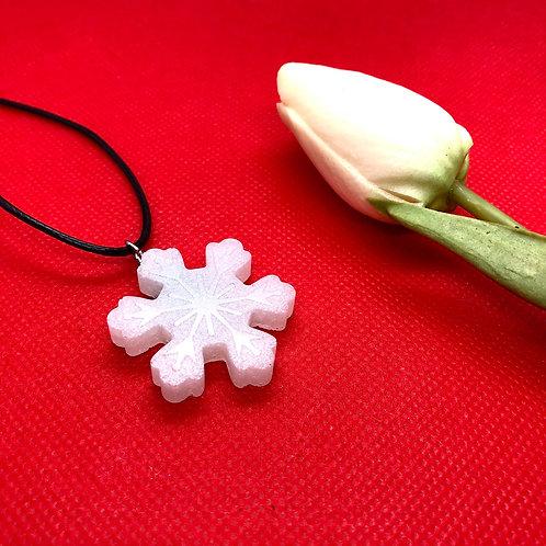 Snowflake Christmas Pendant - Large Flower shape