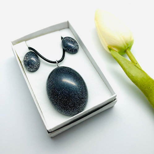 Ex Large Oval Glitter Pendant and Stud Earring Resin set