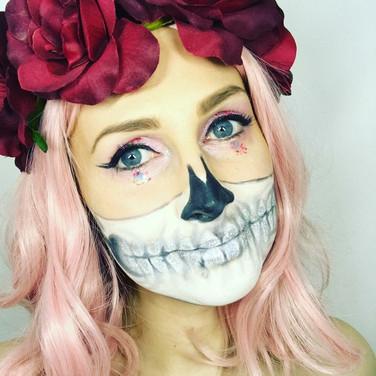 Hollie Rose – Creative Makeup Artist