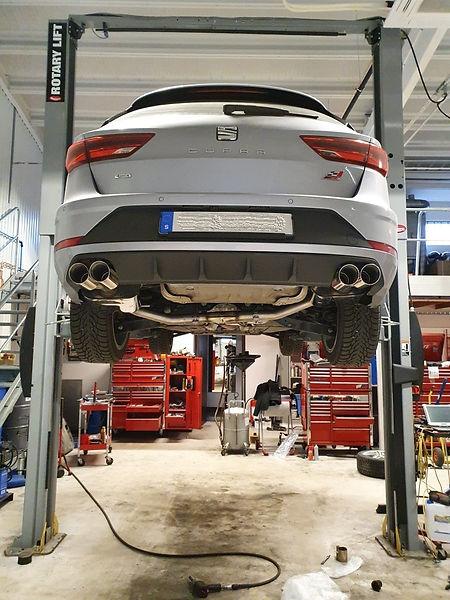 Seat Leon Cupra ST Tsi 4Drive.jpeg