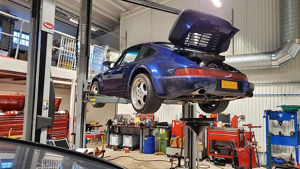 Porsche 964 Turbo 3.6.jpg