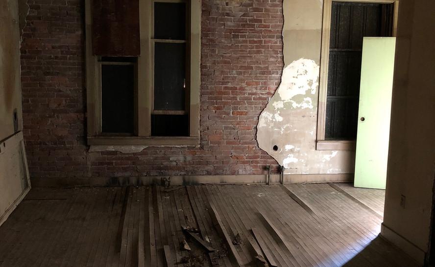 Distressed walls up top