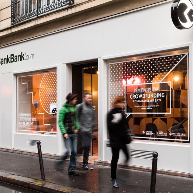 2016 / Kiss Kiss Bank Bank