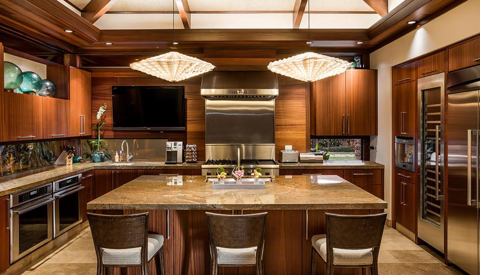 122-Laueki-Kitchen-Looking-In-1024x562.j
