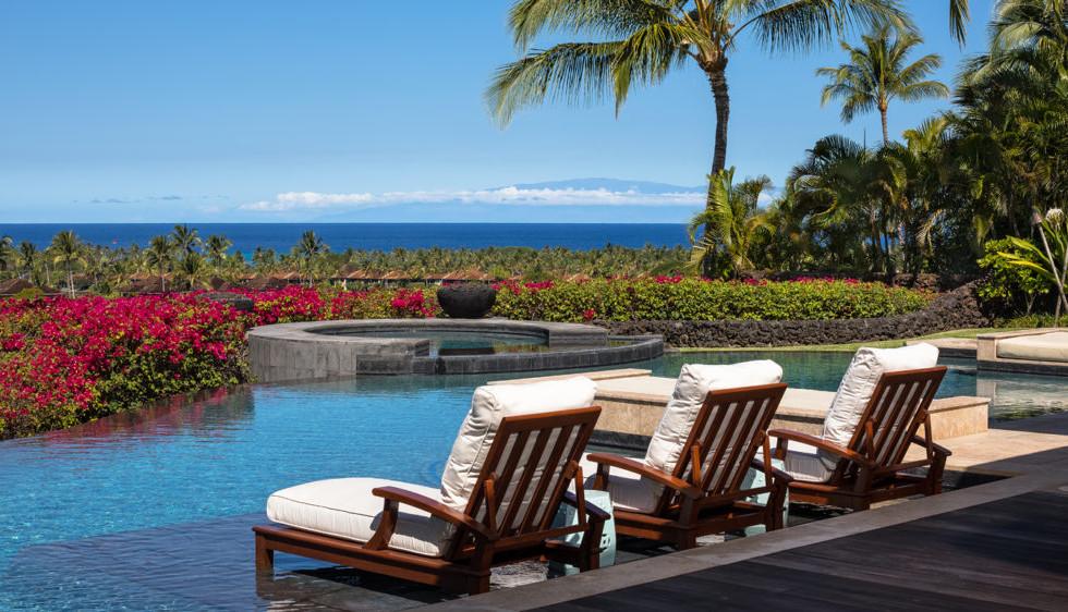 122-Laueki-Pool-to-Maui-View-1024x562.jp