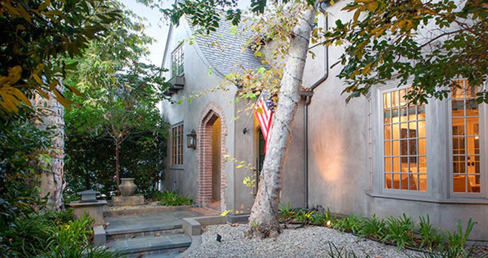 Joe-Jonas-House-Front-Door.jpg
