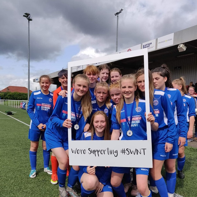 Musselburgh Windsor Girls supporting SWN