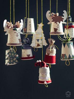 Le calendrier de l'avent Père Noël , sapin et boule de Noël
