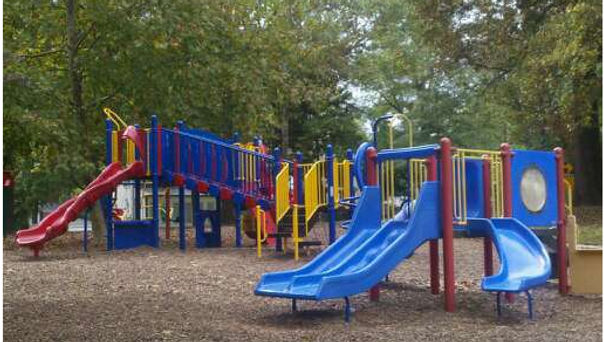 Lynnbrook-small-park-for-we.jpg