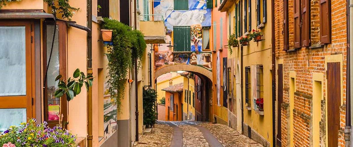 Reggio street scene.jpg