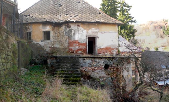 Sladkovicova 4- od zahrady.JPG